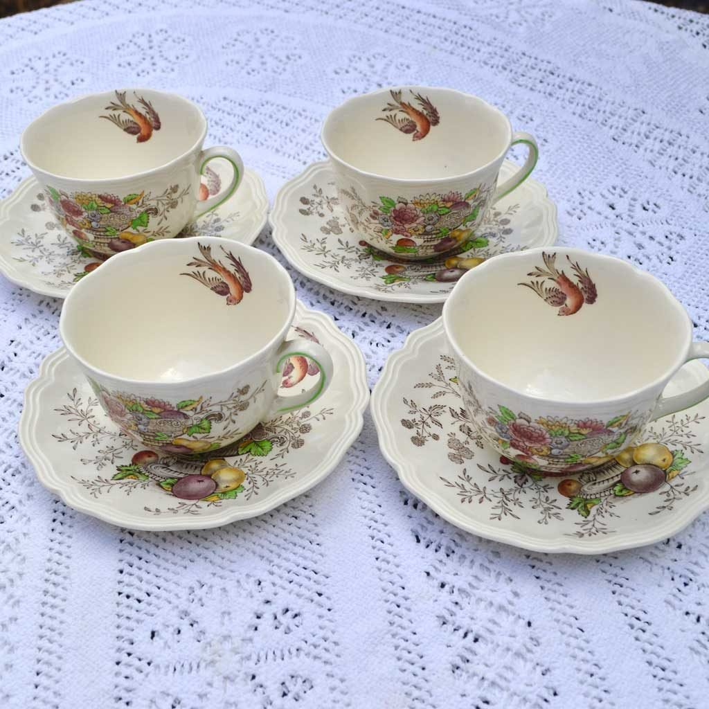 Wicksteads-Home-&-Living-Vintage-Teacups-Royal-Doulton-Hampshire-(6)