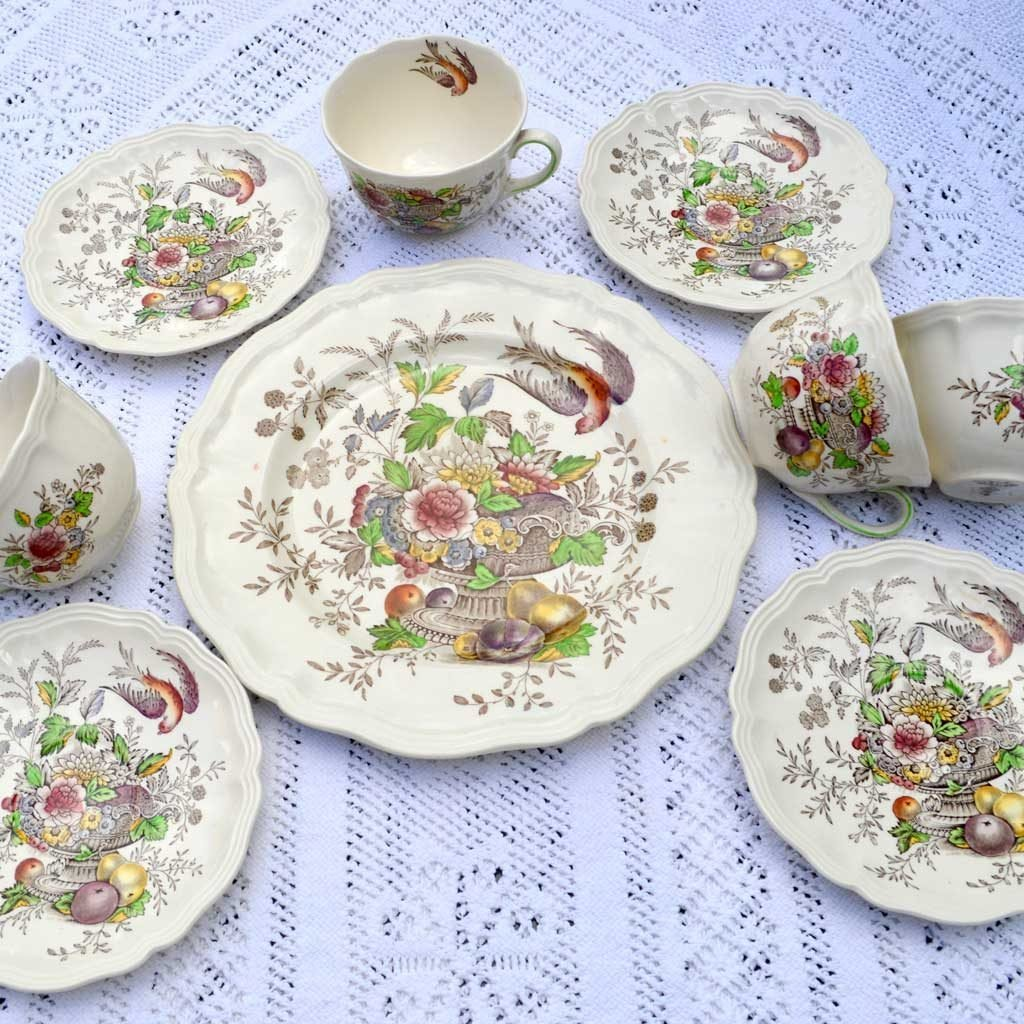 Wicksteads-Home-&-Living-Vintage-Teacups-Royal-Doulton-Hampshire-(7)