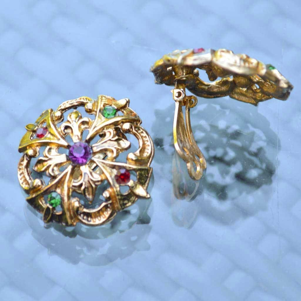 Wicksteads-Jewels-and-Treasures-Vintage-Clip-Earring-Gold-with-Coloured-Rhinestones–(2)