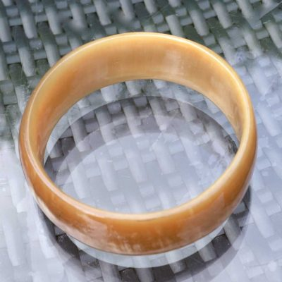 Wicksteads-Jewels-and-Treasures-Vintage-Lucite-Bangle-Faux-Horn-(1)