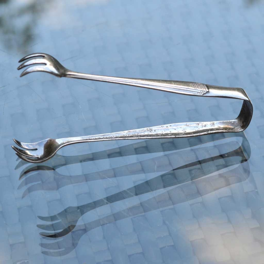 Wickstead's–Home-&-Living–Antique-Sugar-Nip-Tongs-Tudor-Plate–(4)
