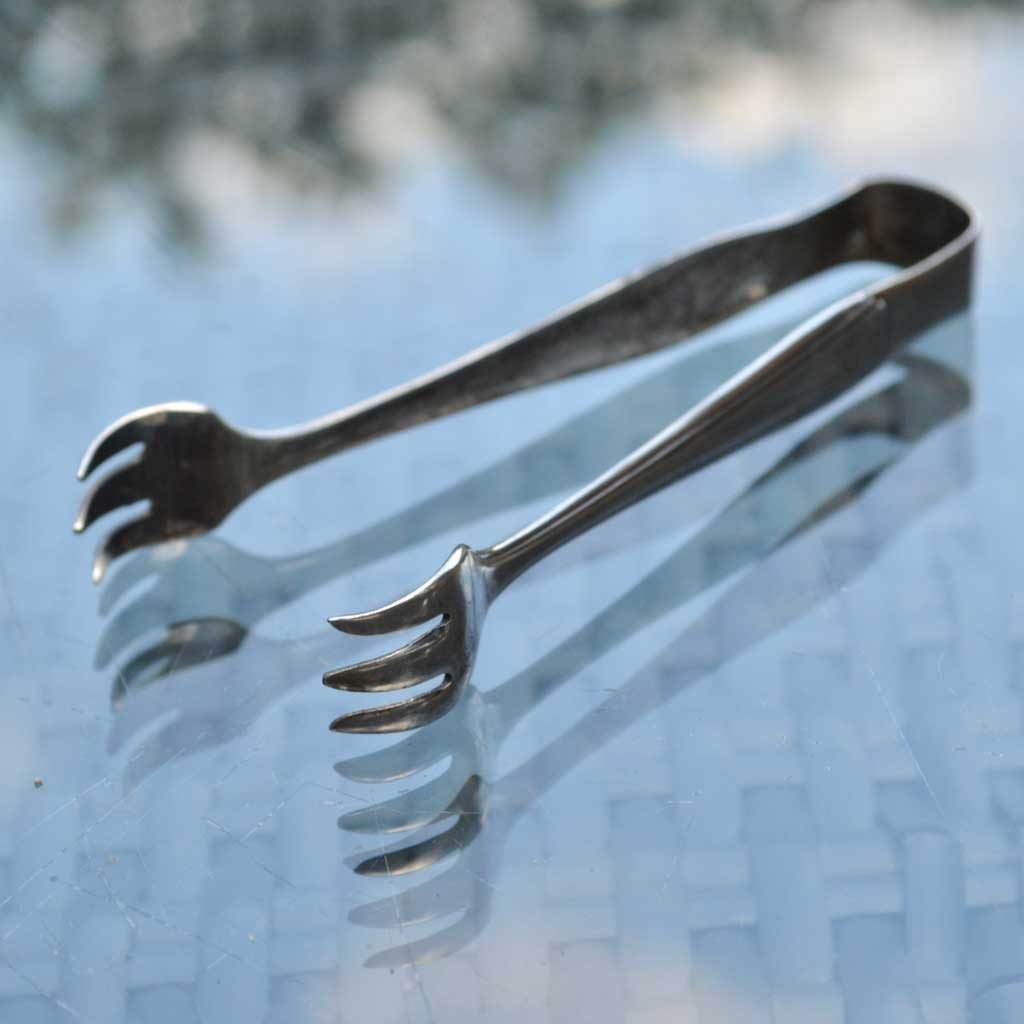 Wickstead's–Home-&-Living–Antique-Sugar-Nip-Tongs-Tudor-Plate–(5)