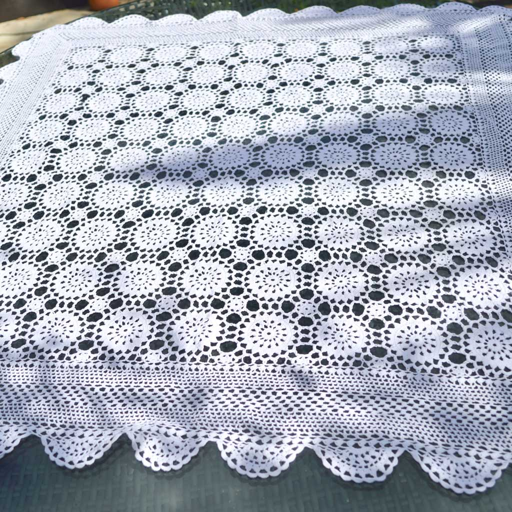 A Pair of White Crocheted Vintage Lace Table Runners RBT1215