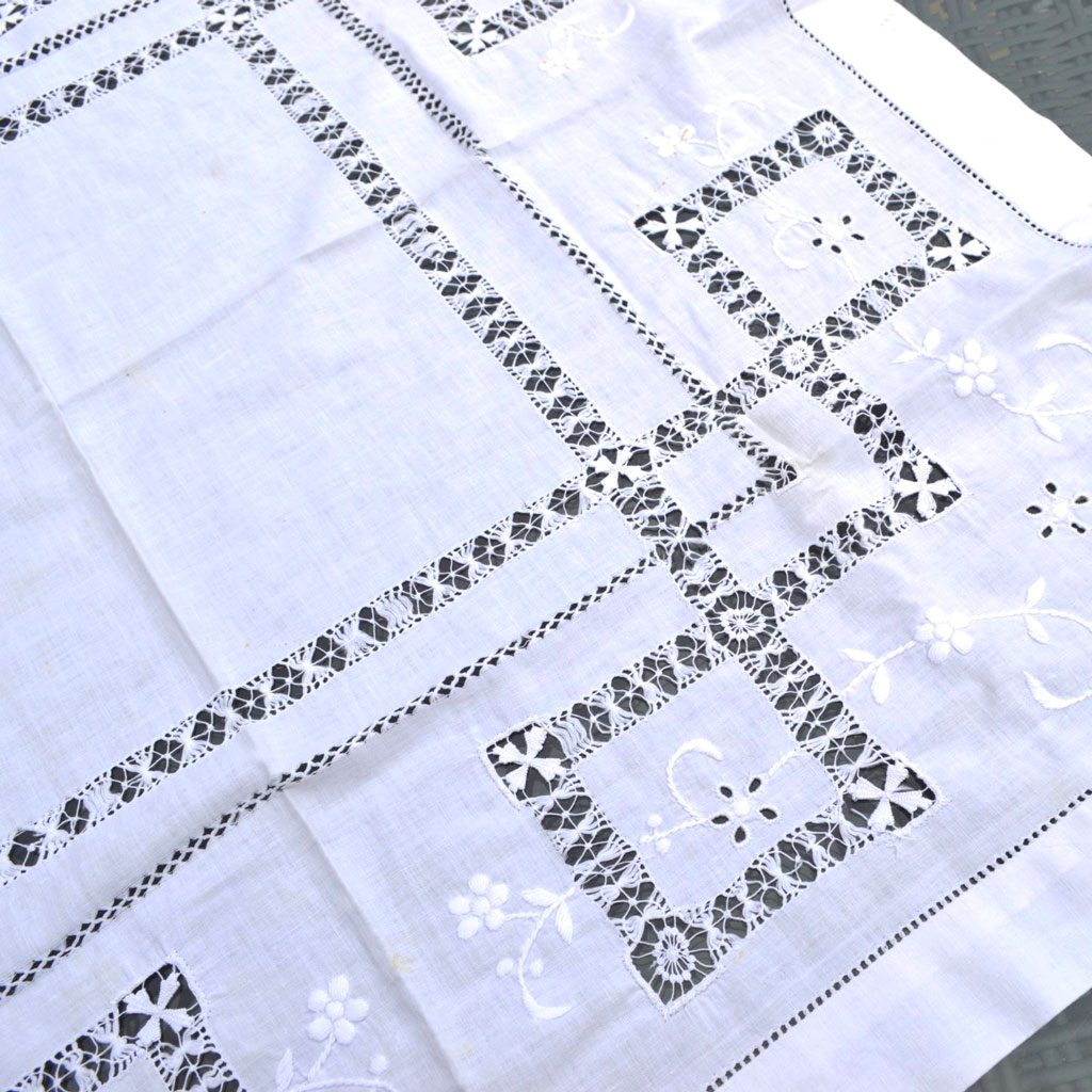 Wickstead's-Home-&-Living-Small-Square-White–Drawn-Thread-Workt-Tablecloth-(3)