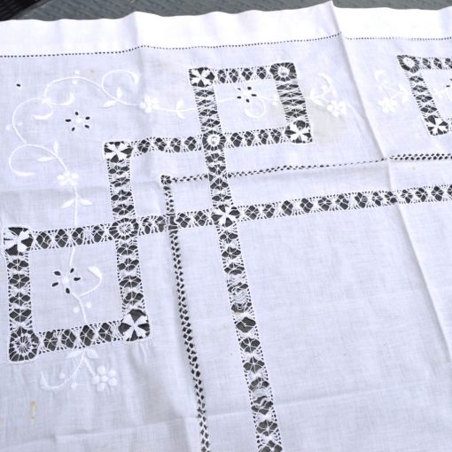 Wickstead's-Home-&-Living-Small-Square-White–Drawn-Thread-Workt-Tablecloth-(4)