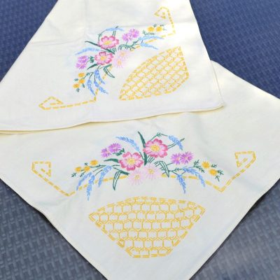 Wickstead's-Home-&-Living-Table-linens-Tea-Table-Cloth-Coloured–Embroidery-Small–Square-Tablecloth-(1)