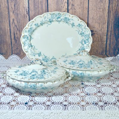 Wicksteads-Home-&-Living-Tableware-Antique-English-Tureens-&-Platter-Set-Blue-White-Floral-Florence-Pattern—(1)