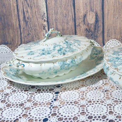 Wicksteads-Home-&-Living-Tableware-Antique-English-Tureens-&-Platter-Set-Blue-White-Floral-Florence-Pattern—(4)