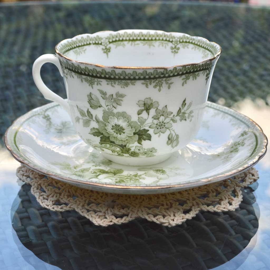 Wicksteads-Home-&-Living-Vintage-Teacups-Royal-Doulton-Adelaide-Green-Floral-1900s-(2)