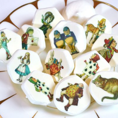 Wickstead's-Eat-Me-Edible-Meringue-Transfer-Sheets-Alice-in-Wonderland-Classic-Figures-(1)
