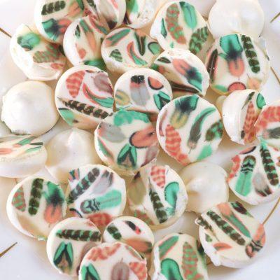 Wickstead's-Eat-Me-Edible-Meringue-Transfer-Sheets—Cotton-Candy-Chintz-(1)