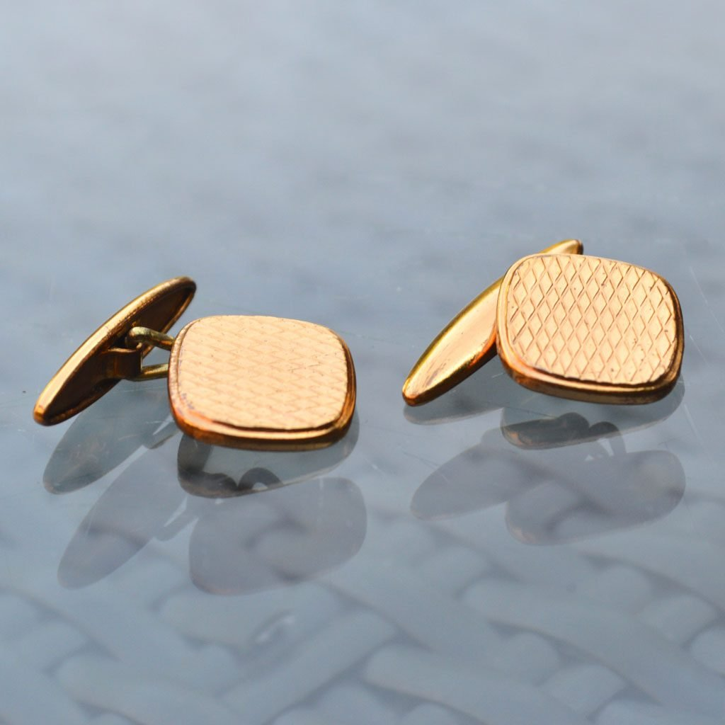 Wickstead's-Mr-Wickstead-Vintage-Cufflinks-Gold-Tone-Engine-Turned-Square-(3)