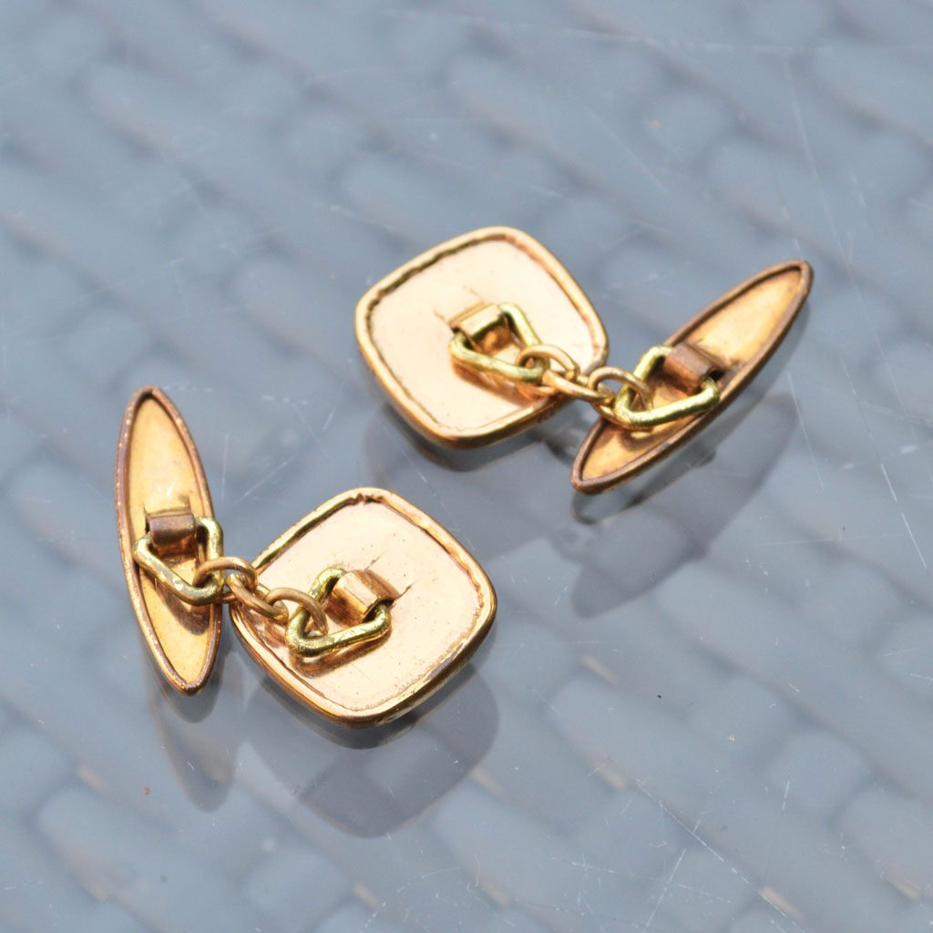 Wickstead's-Mr-Wickstead-Vintage-Cufflinks-Gold-Tone-Engine-Turned-Square-(5)