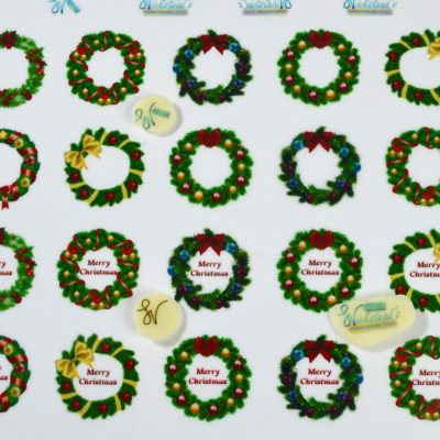 Wickstead's-Eat-Me-Edible-Chocolate-&-Meringue-Transfer-Sheets–Christmas-Wreaths