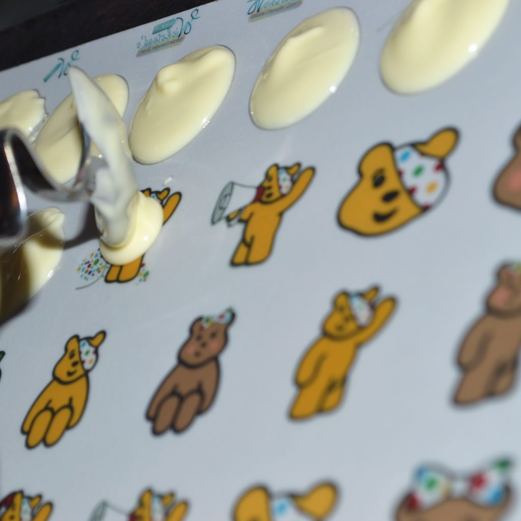 Wickstead's-Eat-Me-Edible-Meringue-&-Chocolate-Transfer-Sheets–Pudsey-&-Blush-Children-in-Need-Charity-Characters-(3)