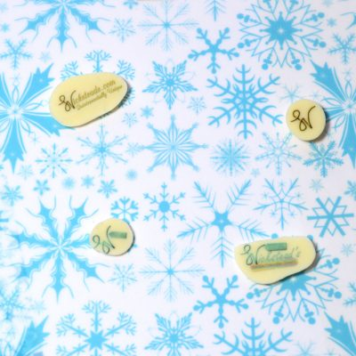Wickstead's-Eat-Me-Edible-Meringue-&-Chocolate-Transfer-Sheets–Winter-Wonderland-Blue-Frozen-Ice-Snowflakes-Chintz-(4)